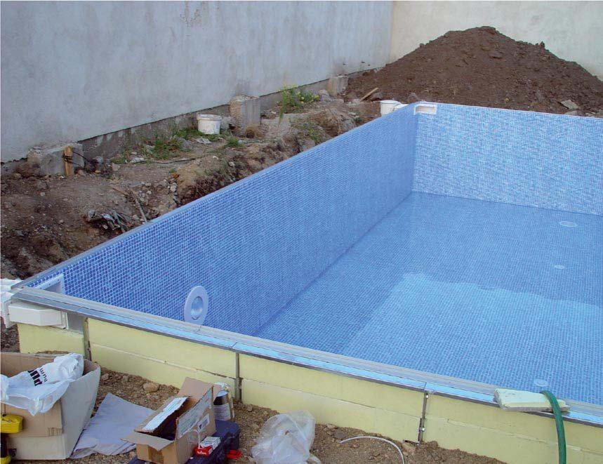 Vente de piscine en kit tunisie for Abri piscine tunisie