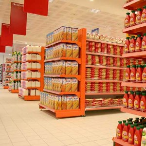Rayonnage m�tallique pour magasin