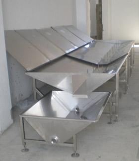 Abattoir: bac de récupération des déchets