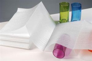 Sac, sachet et housse en mousse et polyéthylène et film à bulles