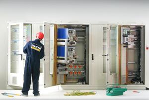 Montage et câblage des armoires de régulation