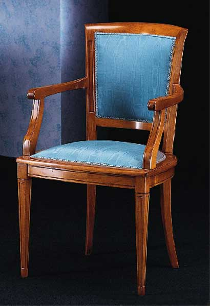 Chaises et fauteuils en bois