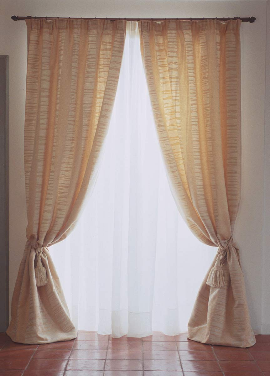 rideau style romantique maison design. Black Bedroom Furniture Sets. Home Design Ideas