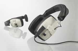 The worldwide standard closed headphone for monitoring, ENG/EFP and live-applications