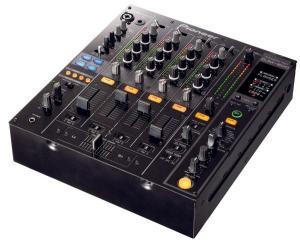 PIONEER - Console DJ numérique 4 voies avec effet DJM 800