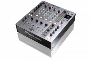 PIONEER - Console DJ numérique 4 voies avec effet DJM 700S