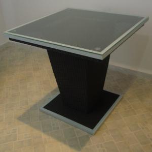 TABLE EN ROTIN 80/80