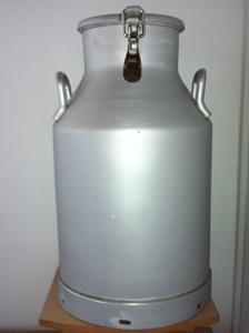 Bidon à lait en aluminium