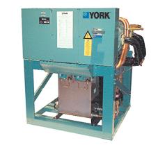 Refroidisseur de liquide à condensation par eau ou condenseur déporté, compresseur à vis