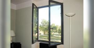 Fenêtre ou porte-fenêtre à la française en aluminium