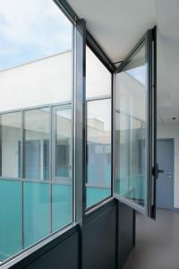 Fen tre ou porte fen tre la fran aise en aluminium tunisie for Porte fenetre aluminium tunisie