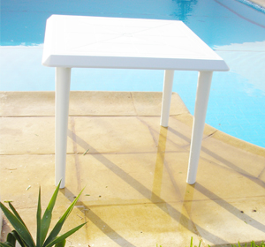 Table en plastique: Table carr�