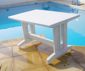 Table en plastique: Table compact