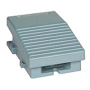 Interrupteur à pied simple XPE-M - sans capot - métallique - bleu - 1O+1F