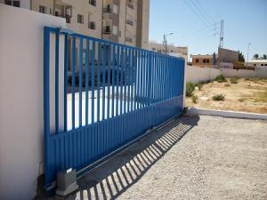 Porte coulissant industrielle