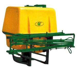 Pulvérisateur porté avec rampe céréalière