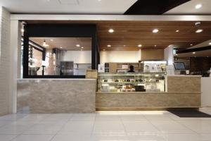Solid Surface_Banque d'accueil et comptoir