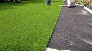 Gazon et pelouse synthétique à usage multi-sportif