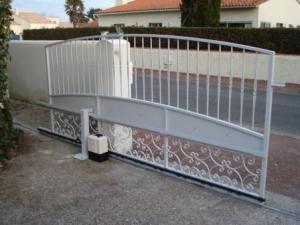 Porte résidentielle