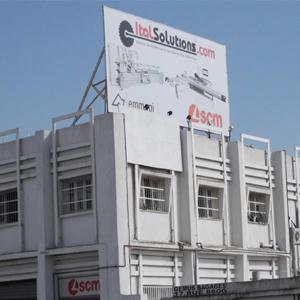 Panneau publicitaire constructeur
