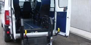 Transport en minibus pour handicapés